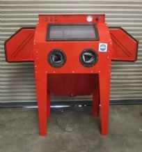 New Style SBC350 Sand Blast Cabinet fitted with 2 Blasting Guns & Dust Extractor